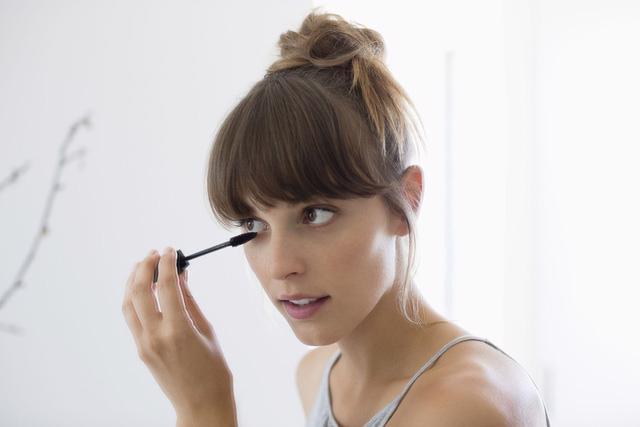 9 ghi nhớ để sử dụng mascara đúng cách - Ảnh 2.