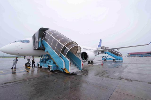 Số lượng máy bay sẽ tăng gấp đôi trên toàn thế giới trong 20 năm tới - Ảnh 2.