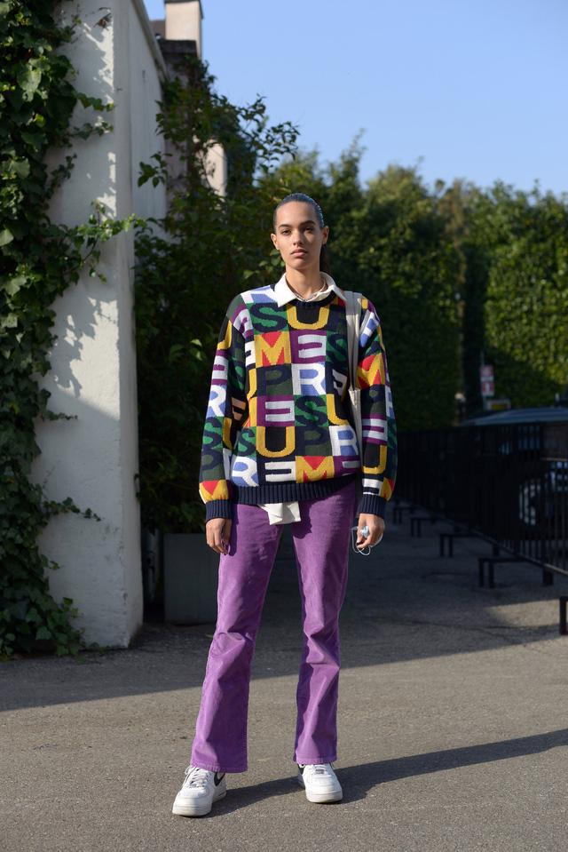 Trang phục đường phố đẹp nhất Milan Fashion Week: áo khoác da phủ sóng - Ảnh 2.