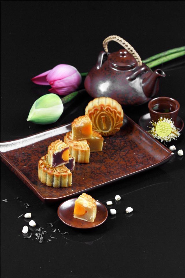 Bánh Trung Thu InterContinental Hanoi Westlake - Ảnh 2.