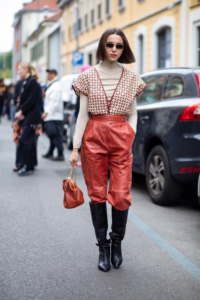 Chất liệu da nhuộm phủ sóng Milan Fashion Week - Ảnh 10.
