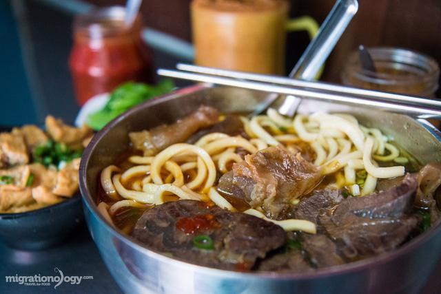 Món mỳ bò tạo nên bản đồ ẩm thực Đài Loan - Ảnh 4.