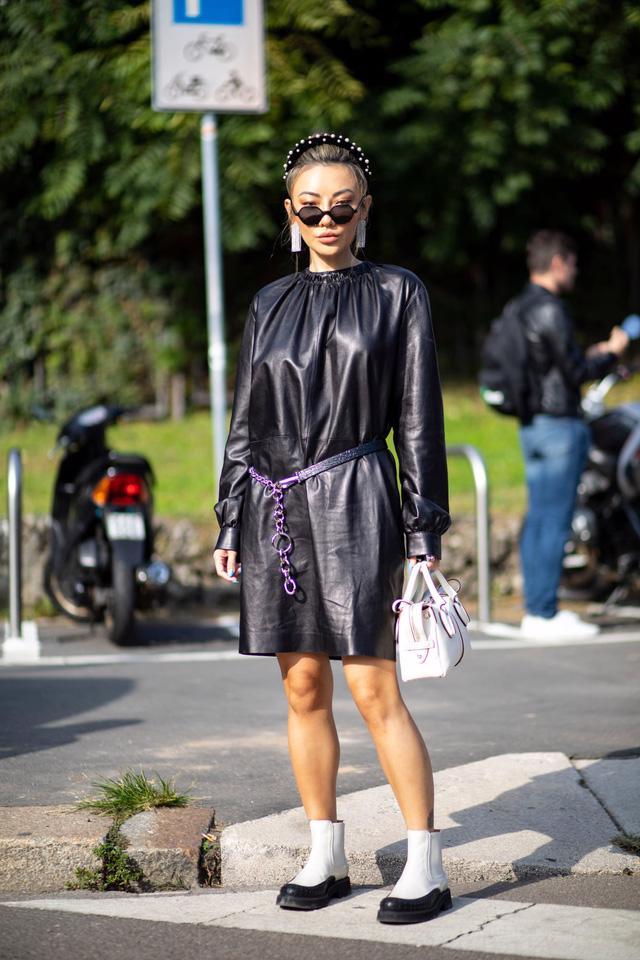 Chất liệu da nhuộm phủ sóng Milan Fashion Week - Ảnh 3.