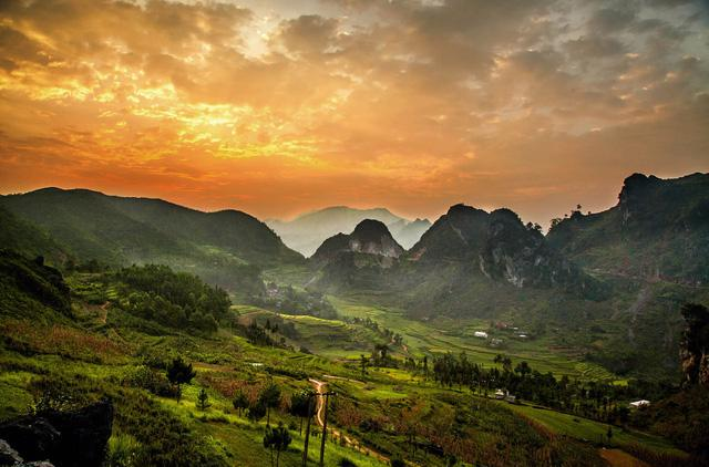 Mường Lay, vùng đất đậm sắc màu huyền sử - Ảnh 1.