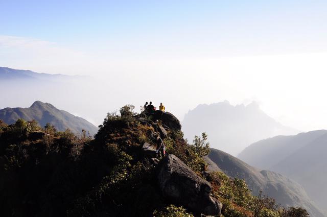 Bạch Mộc Lương Tử: hành trình săn mây và hái sao - Ảnh 1.