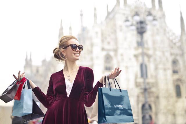 7 kinh nghiệm du lịch mua sắm ở nước ngoài - Ảnh 2.