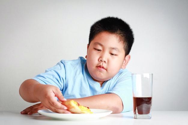 Việt Nam đang chịu gánh nặng kép về dinh dưỡng - Ảnh 1.