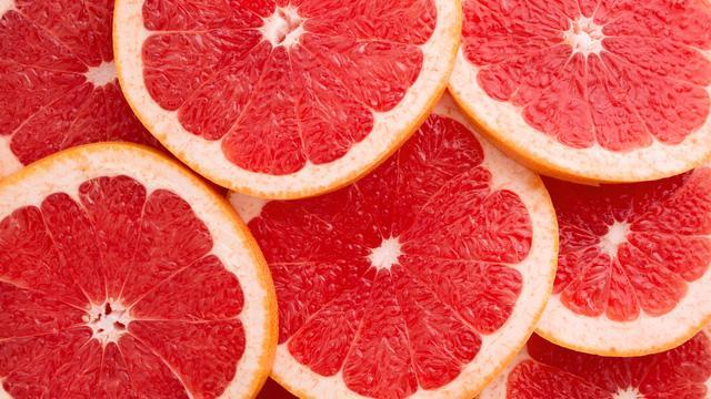 Vì sao bạn nên thêm trái cây họ cam quýt vào bồn tắm? - Ảnh 1.