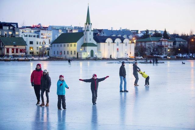 Giáng sinh như trong phim tại Reykjavik - Ảnh 3.