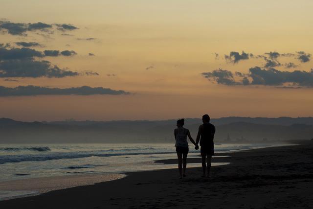Sa Huỳnh: biển xanh và muối trắng nên thơ - Ảnh 7.