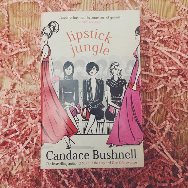 5 cuốn tiểu thuyết về thời trang mà các quý cô công sở nên đọc một lần - Ảnh 4.
