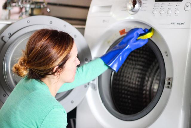 Tự khắc phục một số lỗi hoạt động của máy giặt - Ảnh 1.