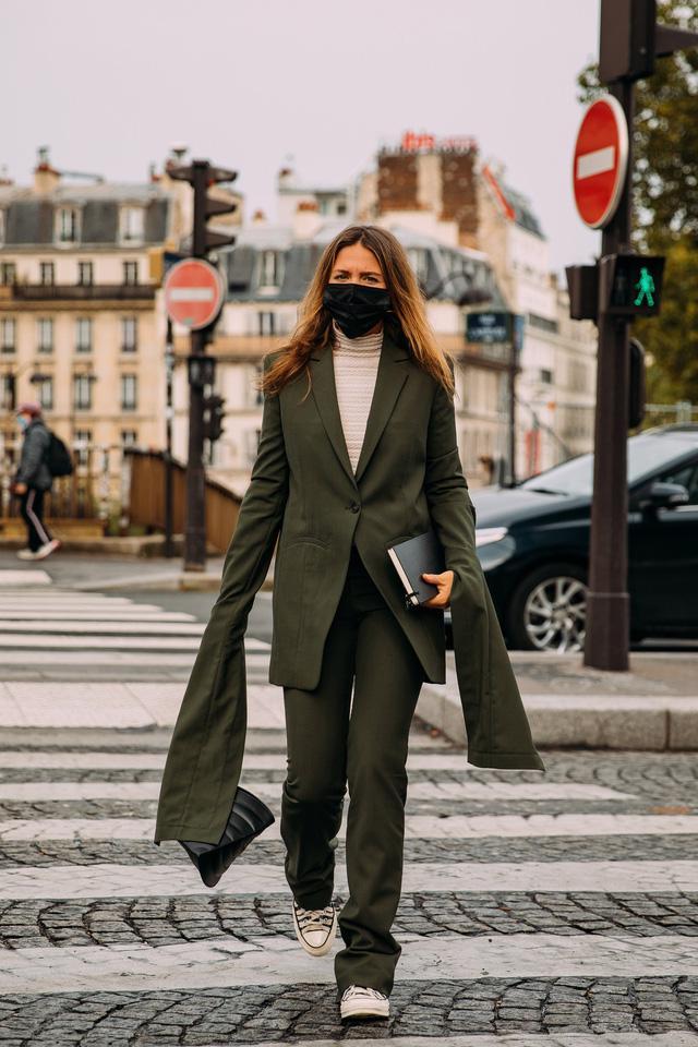 Street style tại các tuần lễ thời trang: suits vẫn phủ sóng - Ảnh 14.