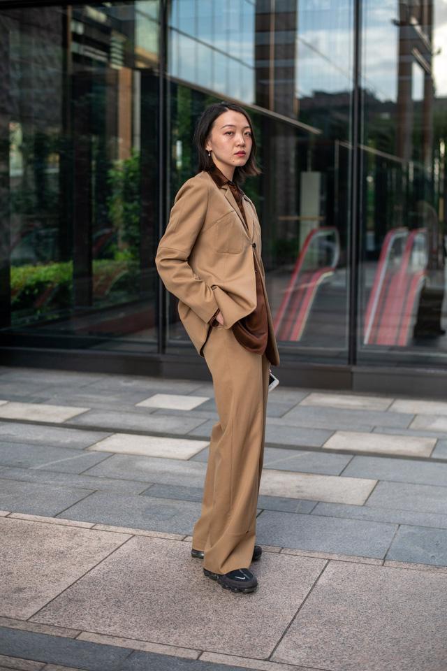 Street style tại các tuần lễ thời trang: suits vẫn phủ sóng - Ảnh 10.