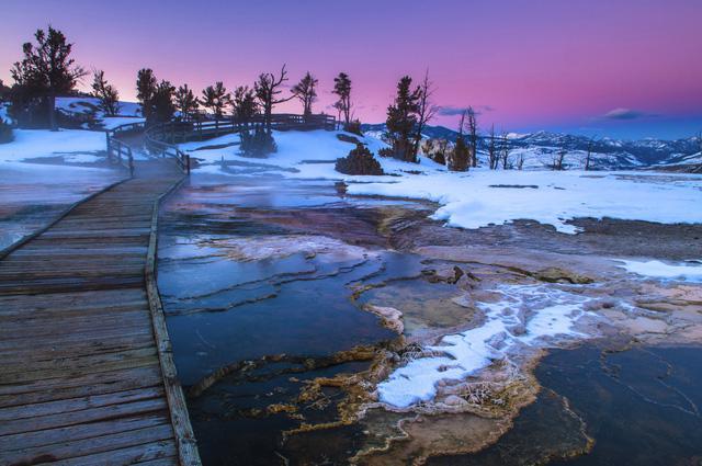 Grand Prismatic Springs: những gam màu tuyệt đẹp trong làn khói - Ảnh 11.