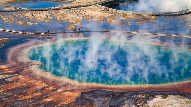 Grand Prismatic Springs: những gam màu tuyệt đẹp trong làn khói - Ảnh 2.