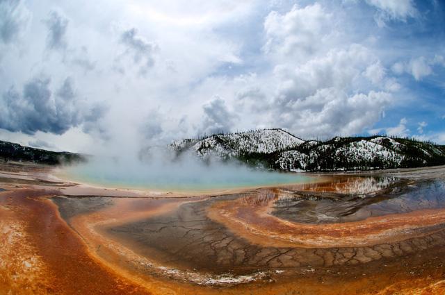 Grand Prismatic Springs: những gam màu tuyệt đẹp trong làn khói - Ảnh 5.