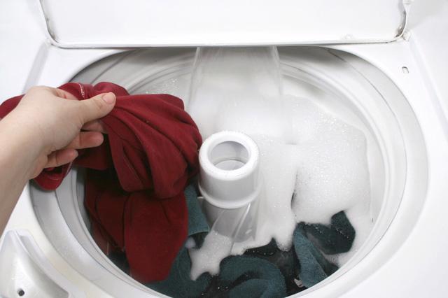 Tự khắc phục một số lỗi hoạt động của máy giặt - Ảnh 4.