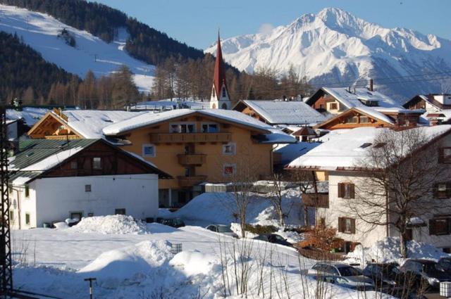 Tirol - thủ đô thể thao mùa đông của châu Âu - Ảnh 3.