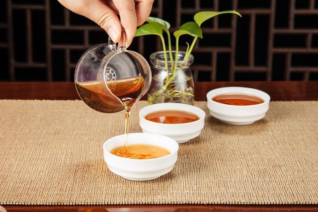 Ngày nóng uống trà dược chống mệt - Ảnh 1.