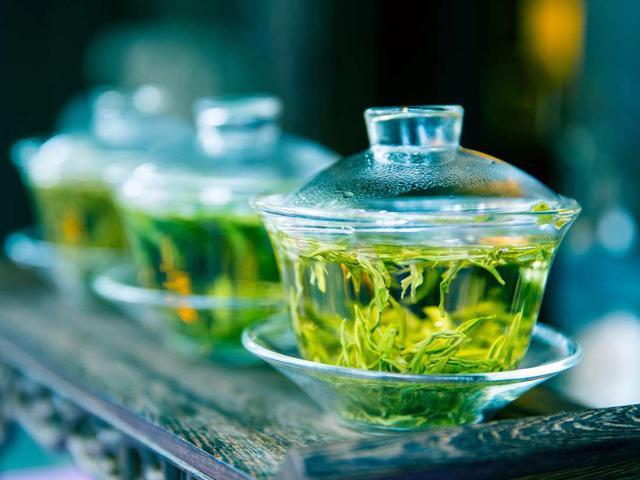 Tìm thấy hợp chất điều trị Covid-19 trong trà? - Ảnh 1.
