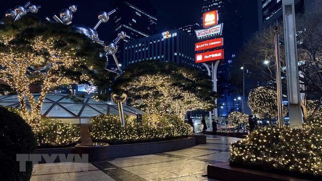 Giáng sinh vắng vẻ tại mọi thành phố trên thế giới - Ảnh 1.