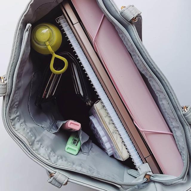 Phụ nữ thành công cất những gì bên trong chiếc túi xách? - Ảnh 3.