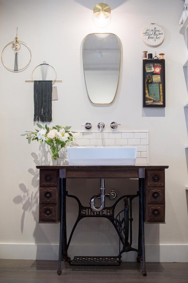 6 ghi nhớ nếu bạn muốn tái sử dụng đồ nội thất cũ cho phòng tắm - Ảnh 8.