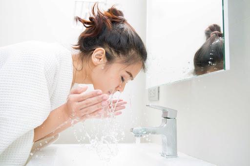 Những lầm tưởng về kem dưỡng ẩm có thể bạn mắc phải - Ảnh 3.