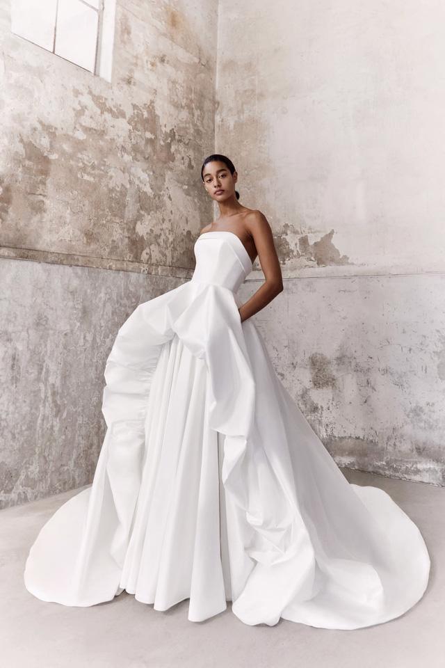 10 bộ váy cô dâu đẹp nhất mùa cưới này - Ảnh 8.