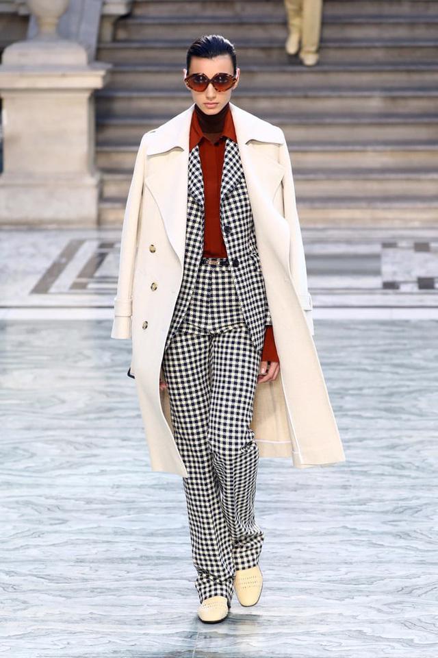 BST mới nhất của Victoria Beckham tại London Fashion Week 2020 - Ảnh 12.