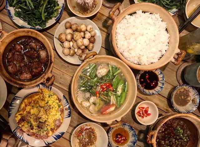 Mâm cơm của người Việt đang thừa quá nhiều thịt - Ảnh 2.