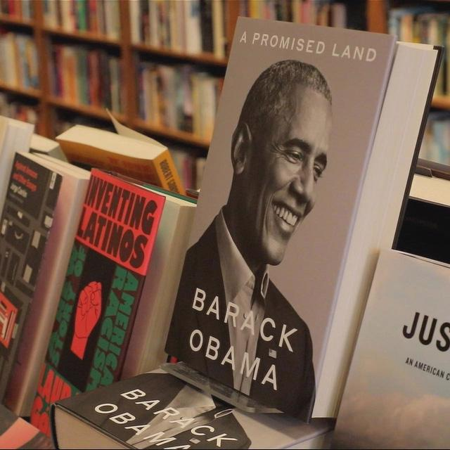 Hồi ký của cựu Tổng thống Obama là sách bán chạy nhất nước Mỹ năm 2020 - Ảnh 2.