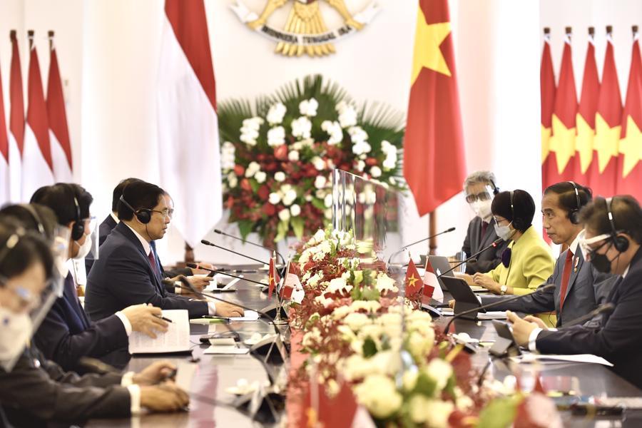 Tại cuộc gặp, hai nhà lãnh đạo đã trao đổi về những định hướng quan trọng trong hợp tác song phương giữa hai nước, cũng như trao đổi về nhiều vấn đề hợp tác đa phương. Dù gặp nhiều khó khăn do đại dịch Covid-19, kim ngạch thương mại giữa hai nước vẫn không bị ảnh hưởng nhiều, đạt 8,2 tỷ USD năm 2020- Ảnh: VGP