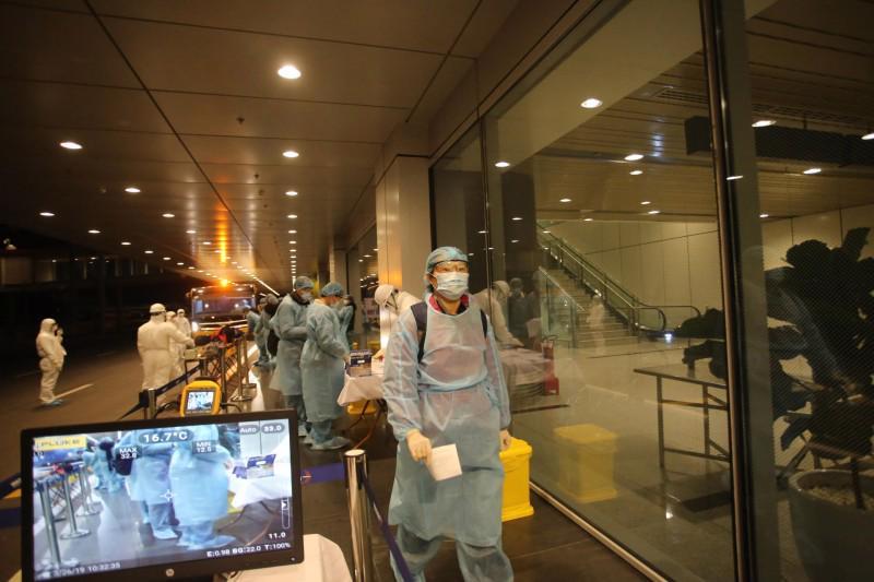 Công tác quản lý chuyến bay chở người nhập cảnh vào Việt Nam thời gian qua còn nhiều bất cập - Ảnh: VGP