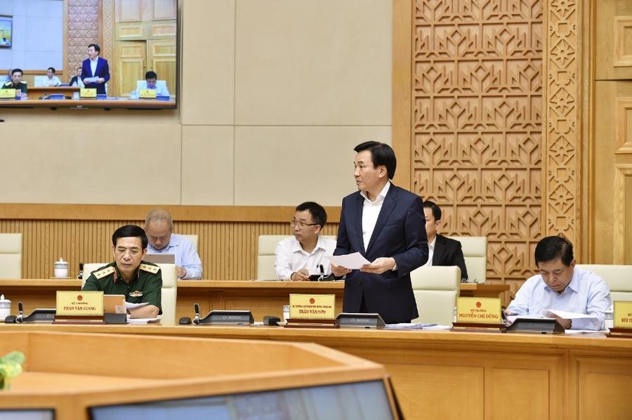 Chính phủ họp phiên đầu tiên sau khi kiện toàn nhân sự - Ảnh 2.