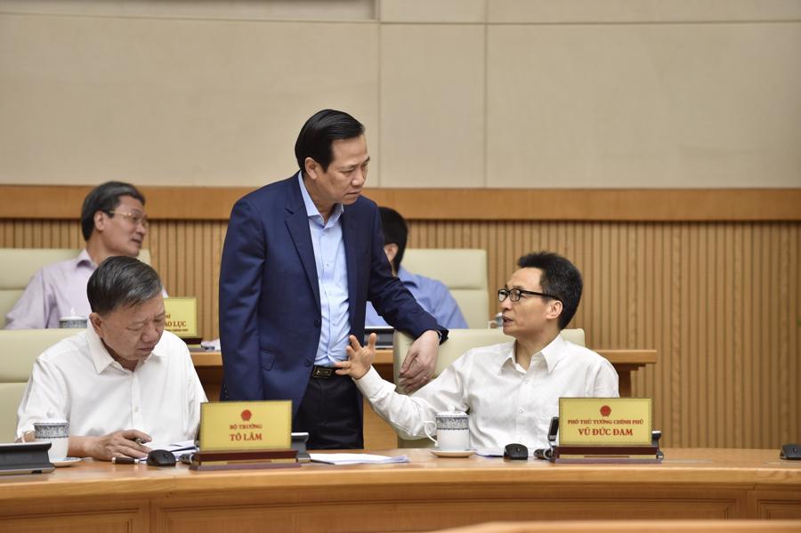 Chính phủ họp phiên đầu tiên sau khi kiện toàn nhân sự - Ảnh 5.