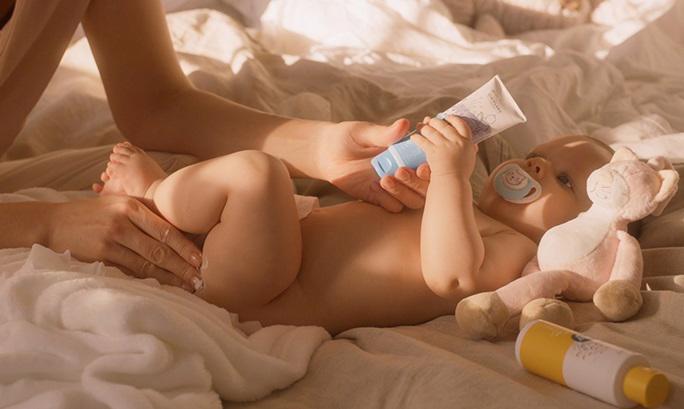 5 mẹo hay để chăm sóc làn da cho bé - Ảnh 2