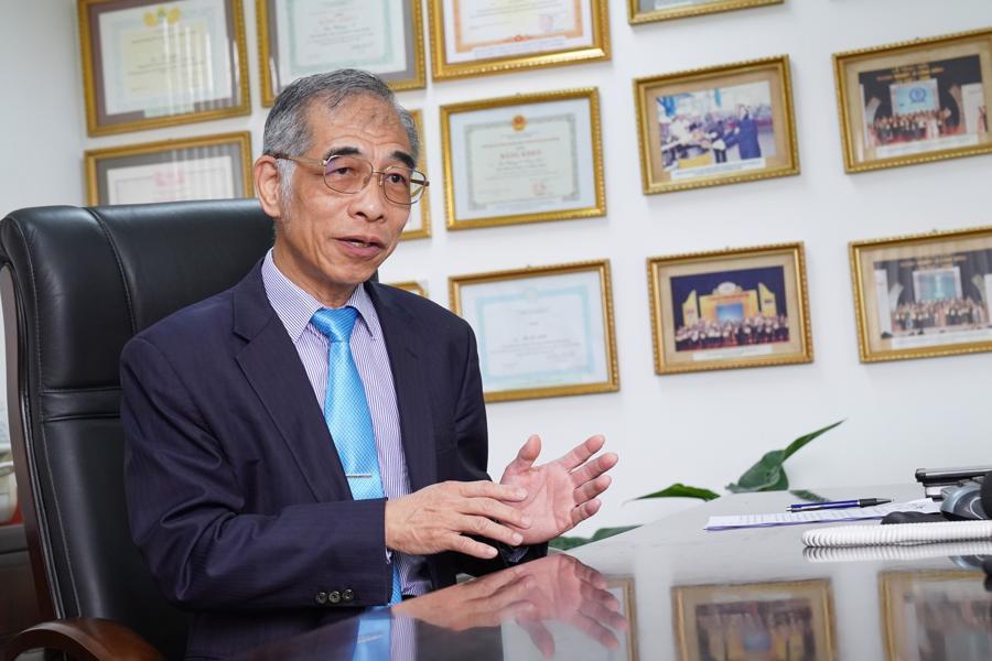"""Ông Tony Liu, Tổng Giám đốc Công ty Xi măng Chinfon: """"Khó khăn thách thức lộ diện anh tài"""" - Ảnh 1."""
