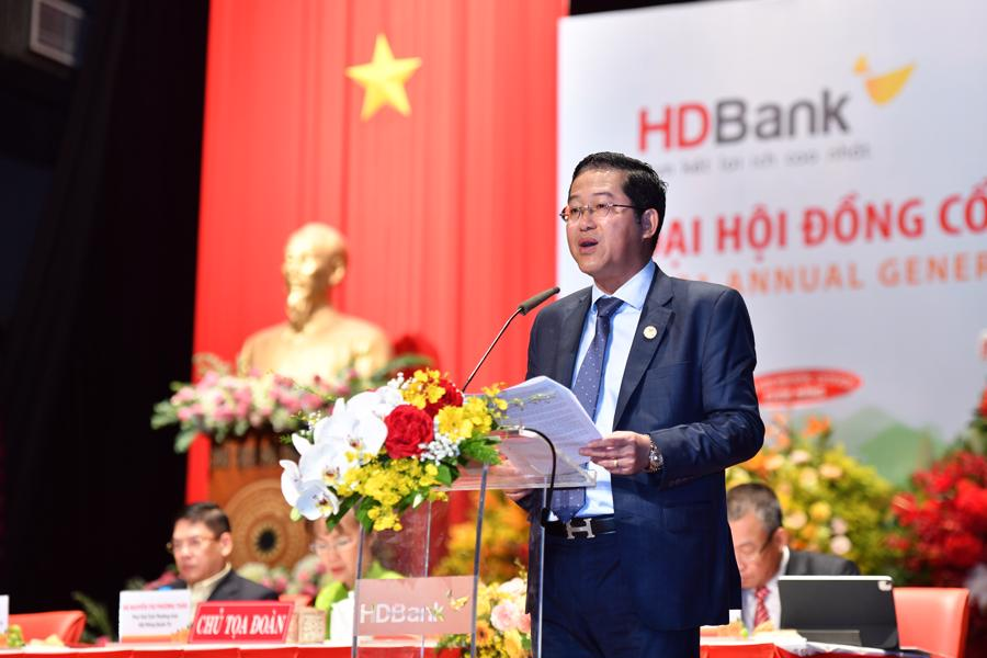 Ông Phạm Quốc Thanh - Tổng Giám đốc HDBank trình bày Báo cáo Kết quả hoạt động kinh doanh năm 2020 và Kế hoạch Kinh doanh năm 2021 của Tổng Giám đốc.