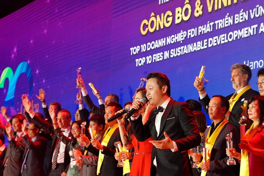 Toàn cảnh Gala 20 năm chương trình Rồng Vàng - Ảnh 10