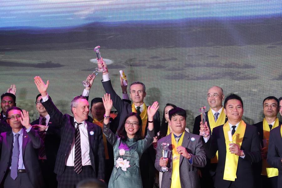 Toàn cảnh Gala 20 năm chương trình Rồng Vàng - Ảnh 7