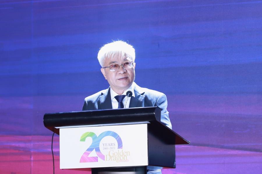 TS. Chử Văn Lâm,Tổng biên tập Tạp chí Kinh tế Việt Nam – Vietnam Economic Times:, phát biểu khai mạc Gala 20 năm chương trình Rồng Vàng