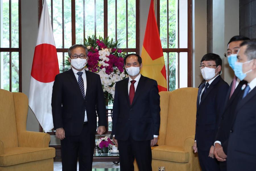 Bộ trưởng Bộ ngoại giao Bùi Thanh Sơn giao lưu cùng Đại sứ Nhật Bản