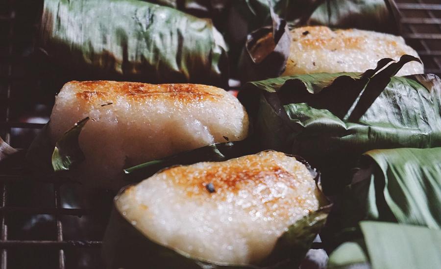 Chuối nướng nổi tiếng đường Nguyễn Huệ, thành phố Kon Tum.