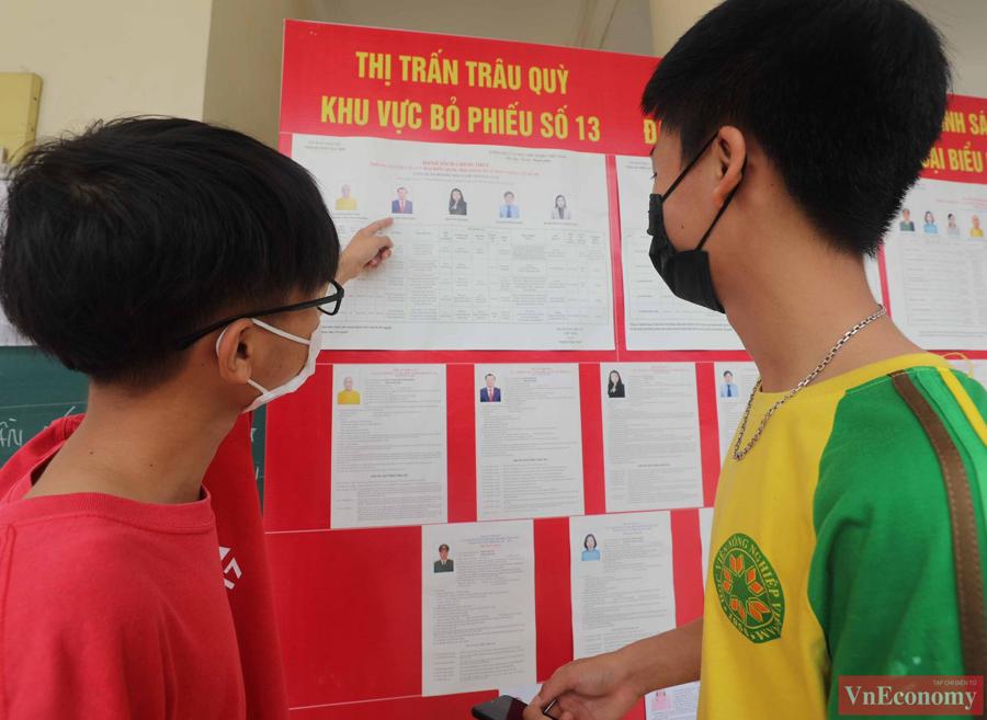 Tổng Bí thư Nguyễn Phú Trọng bỏ phiếu bầu cử, hòa chung ngày hội của toàn dân - Ảnh 4