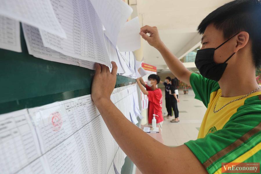 Trong đó, với một số cử tri, đây là lần đầu tiên họ được đi bỏ phiếu bầu cử, thực hiện quyền công dân của mình.