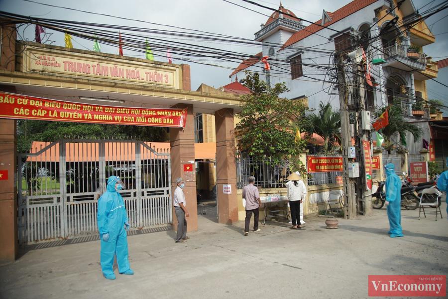 Giữa tâm dịch Bắc Ninh, ngày hội bầu cử diễn ra trang trọng, an toàn - Ảnh 1