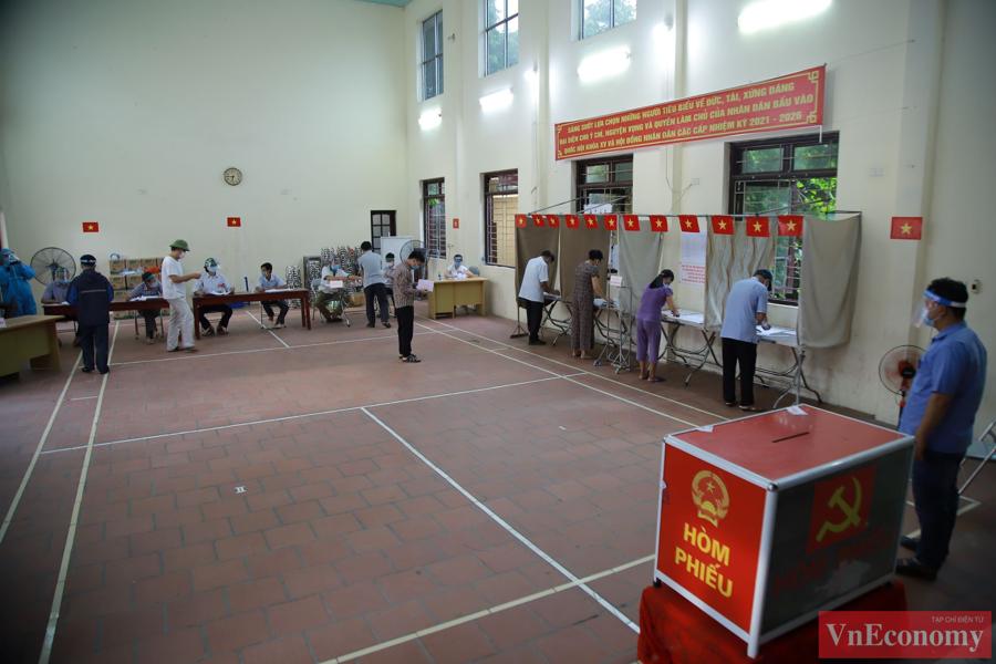 Trong quá trình bầu cử, cả người dân và cán bộ tổ bầu cử đều có tinh thần tốt, phấn khởi. Các cử tri bày tỏ sự tin tưởng cuộc bầu cử tại đây diễn ra đảm bảo an toàn, thành công tốt đẹp.