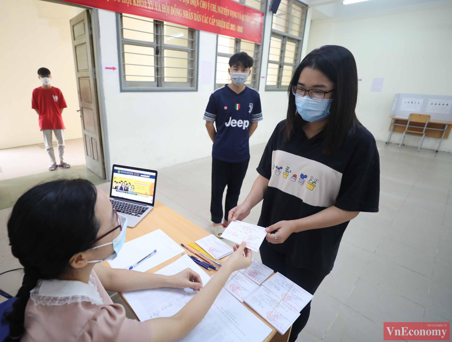 Tổng Bí thư Nguyễn Phú Trọng bỏ phiếu bầu cử, hòa chung ngày hội của toàn dân - Ảnh 5